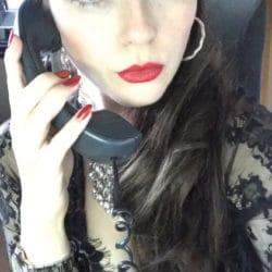 Lady Julina persönlich am Telefon